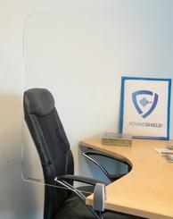 Transparante scherm met klemmen voor bureau